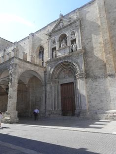 Ascoli Piceno - S. Francesco Church: this is the entrance of the S.Francesco Church, one of the most important ones in our city. It's very ancient and important for the inhabitants