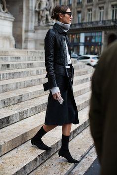 #turtleneck #layers #skirt #black