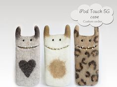 ♥ iPod touch 5G cases Custom order . Monster cases, very good quality handmade of 100% natural wool.  ♥Please choose the color for your device.  ♥ ♥ ♥