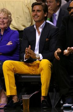 i don't care what anyone says: this man has a great sense of style ;)