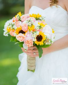Beautiful sunflower bridal bouquet - perfect for a summer wedding | Lynda Berry Photography