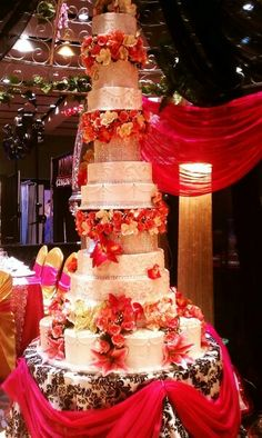 One of my all time favorite wedding cakes!!!