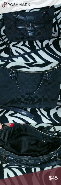 Coach Crossbody Great condition. Coach crossbody with straps that can be removed. Zipper pocket on the inside. Make me an offer! Coach Bags Shoulder Bags
