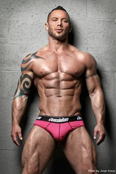 SCOTT CULLENSJobs:       Luxury Constructor Company Owner / Model /            Building & Interior DesignerFrom:        USALives in:    Palm Springs, California, USABirth date:    ~1974