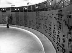 Robert Doisneau ( Chemin de Fer) -   Salle de contrôle SNCF, Dijon 1955