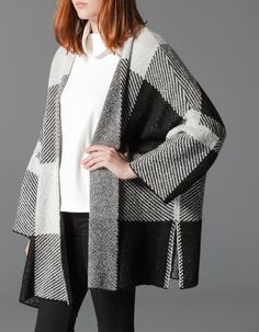Check pattern poncho with sleeves