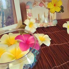 ハワイアンインテリアを作るためのポイント3つ&実例をご紹介☆ | folk Glass Vase, Peach, Room Decor, Table Decorations, Interior, Drawing Rooms, Home Decor, Indoor, Prunus