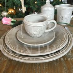 Keramiek tafelservies paard, 12-delig #servies #J-Line #paardservies #paardenliefhebber #tafelservies #tableware #dinnerware #plates #horse