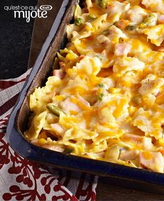 Get out the frozen mixed veggies and the bow-tie pasta, and well show you how to make Creamy Turkey Noodles. Our Creamy Turkey Noodles is an easy way to feed a crowd. Kraft Recipes, Turkey And Noodles Recipe, Turkey Pasta, Turkey Bow, Wild Turkey, Pasta Dishes, Food Dishes, Leftovers Recipes, Turkey Leftovers