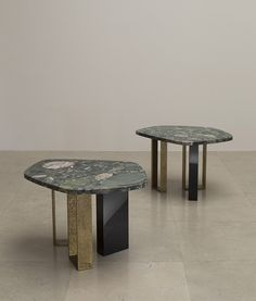 The unity of generous proportions and rich materials. Marble Furniture, Small Furniture, Contemporary Furniture, Furniture Design, Van Der Straeten, Low Tables, Small Tables, Table Desk, Dining Table