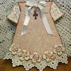 Fabulous paper dress from Annelis scrap och kortmakeri: Dopklänning ! Baptism Cards, Christening Card, Dress Card, Baby Girl Cards, Shaped Cards, Card Tags, Scrapbook Cards, Scrapbook Background, Scrapbooking Ideas