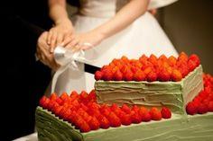 パレスホテル東京(PALACE HOTEL TOKYO) ウェディングケーキは抹茶味♡ パレスホテル東京のウェディングケーキは、クリームの種類を選ぶことができます。