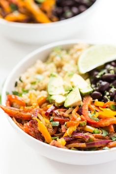 Whip up a delicious meatless meal with these black bean quinoa fajita bowls! They're ready in under 20 mins, are packed with flavor & make great leftovers!