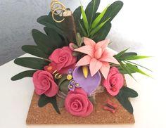 Fleurs en porcelaine froide roses lys et arum modelées à la main par Creaconcept http://www.alittlemarket.com/boutique/creaconcept-899765.html