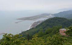 Türkiye ve Avrupa'nın deniz üzerine inşa edilen ilk ve tek havalimanı olma özelliğini taşıyan ve hizmette ilk yılını tamamlayan Ordu-Giresun Havalimanı.
