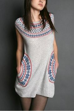 Beautiful knit dress with intarsia yoke and round pockets. Would love to wear that in winter with jeans and long sleeve t-shirt :-P