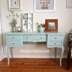 This antique dressing table was a last minute spur of the moment eBay purchase. I logged on when it was ending and because it was reason...