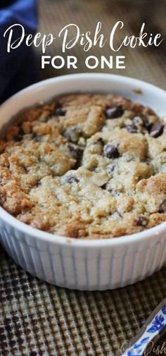 This is the BEST chocolate chip cookie recipe! Buttery, crisp edges and a warm, gooey center, this deep dish chocolate chip cookie can be baked in a ramekin and eaten with a spoon or baked on a cookie sheet. It's so easy to make and is a delightful indulgent treat for one person. Single Serve Meals, Single Serve Desserts, Single Serving Recipes, Meals For Two, Deep Dish Cookie, Recipe For 1, Best Chocolate Chip Cookies Recipe, Date Night Recipes, Dessert For Two
