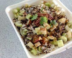 Cobb Salad, Potato Salad, Salads, Potatoes, Ethnic Recipes, Food, Hands, Potato, Essen