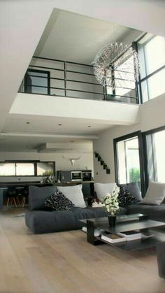 Beautiful 2 storey open to above