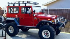The Coolest Car of All Time! Toyota Fj40, Toyota Fj Cruiser, Toyota Trucks, 4x4 Trucks, Ford Trucks, Lifted Trucks, Jeep 4x4, Jeep Willys, Van