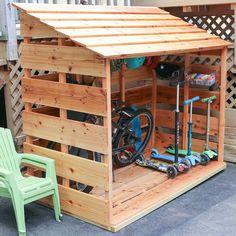 Garten - Fahrradschuppen Custom DIY Bike Storage Shed Your Teen: Tips On Successfully Fitting In Outdoor Toys For Kids, Backyard For Kids, Backyard Projects, Diy Outdoor Toys, Toys For Boys, Garden Bike Storage, Outdoor Bike Storage, Outside Bike Storage, Pool Toy Storage