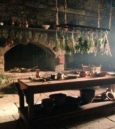 Claire's surgery in Castle Leoch - Outlander series