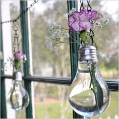 Recycled lightbulb vases  *i dunno even where to begin**. Oooober Cute!!!