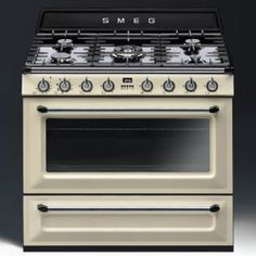 Buy The Smeg Victoria Cream Dual Fuel Single Oven Range Cooker From CookersAndOvens At A Fantastic Price. Electric Cooker, Electric Oven, Stove Oven, Gas Stove, Best Appliances, Kitchen Appliances, Kitchens, Frugal, Cucina