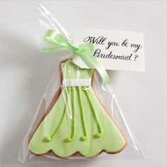 Be My Bridesmaid Gourmet Cookie - a great way to ask your friend to be your bridesmaid!