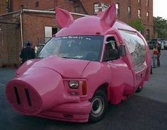 Van transfored into a Pig