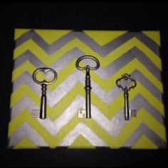 My new DIY painted canvas with skeleton keys.