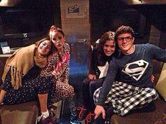 Tini, Mechi, Alba, Facu #ViolettaLIVE