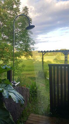 #Outdoor #shower #backyard #pergola