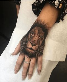 Brave Lion King on Hand Tattoo Finger Tattoo For Women, Hand Tattoos For Women, Back Tattoo Women, Finger Tattoos, Body Art Tattoos, Small Tattoos, Tattoos For Guys, Sleeve Tattoos, Tattoo Femeninos