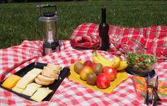Picnic Foods - Summer Picnic Essentials| QueRicaVida