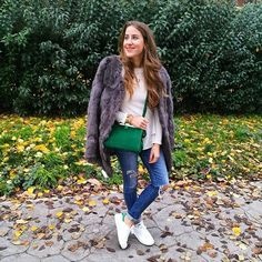 Sport time  #confy #stansmith #monturquoise #outfit #style #sneakers #green #adidas #fashion #look #blog #picoftheday #casualstyle #blogger #streetstyle #outfitday #zara #bag #fluffycoat #relax #casual