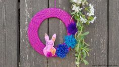 Easter wreath made with wool and felt Coron, Easter Wreaths, How To Make Wreaths, Scotch, Valentines Day, Crafts For Kids, About Me Blog, Halloween, Creative