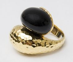 18 Karat Gold and Black Onyx Ring Black Onyx Ring, Cocktail Rings, 18k Gold, Gemstone Rings, Wedding Rings, Engagement Rings, Jewelry, Jewellery Making, Jewerly