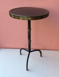 pikkupöytä . korkeus 42cm . halkaisija 25.5cm . #kooPernu