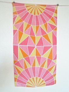 """1960s Geometric Vera Towel 15.25x28"""""""