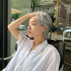 Lee Joo Young 🌈ig: i_icaruswalks Girl Short Hair, Short Girls, Short Hair Cuts, Shot Hair Styles, Curly Hair Styles, Lee Joo Young Hair, Lee Joo Young Actress, Ulzzang Hair, Aesthetic Girl