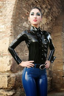 Marilyn Yusuf's Passion for Latex: Marilyn Wearing Latex Jeans in Greece Fetish Fashion, Latex Fashion, Fashion Models, Fashion Outfits, Black Tape Project, Latex Lady, Latex Girls, Spandex, Skin Tight