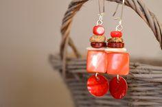 Boucles d'oreilles colorées nacres et pierres - Bijoux TessNess : Boucles d'oreille par tessness
