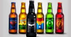 Não, você não bebeu demais. Essas são cervejas com feitas para super heróis.  Mas infelizmente não estão a venda, são idéias do designer Mar...