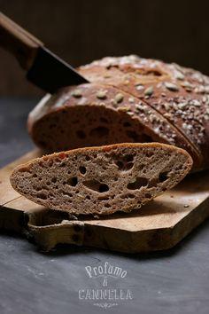 Home made BREAD with chestnut flour - pane fatto in casa con semi e farina di castagne