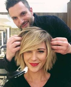 Check out this 15 Beloved Short Haircuts for Women with Round Faces: . Short Hair Style Round Face The post 15 Beloved Short Haircuts for Women with Round Faces: Short Hair Style Round… appeared first on Hairstyles 2019 . Side Bangs Hairstyles, Hairstyles For Round Faces, Short Hairstyles For Women, Pretty Hairstyles, Pixie Hairstyles, Hairstyle Short, Short Hair Cuts For Women With Round Faces, Hairstyle Ideas, Hairstyles Haircuts