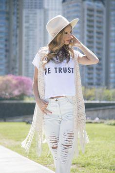 Look del día 36 Total white! Fotos: Anita Thomasph  Modelo: Isa Bullrich  Estilismo: Agustinaarca  Pelo y Make up: Make it Up