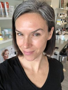 Obviously we should be wearing face SPF year round but once spring hits, the hustle to find a daily nontoxic face SPF gets REAL.Dishing on my fave nontoxic facial SPFs for everyday and detailing out some tinted options too! Grey Hair And Makeup, Grey Hair Don't Care, Grey Curly Hair, Haircuts For Curly Hair, Permed Hairstyles, Cool Hairstyles, White Hair Highlights, Short Hair Cuts, Short Hair Styles