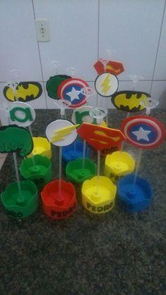 Centro de mesa vingadores . The Flash, Gabriel, Ideas Para, Superman, Avengers, Birthdays, Birthday Parties, The Incredibles, Party